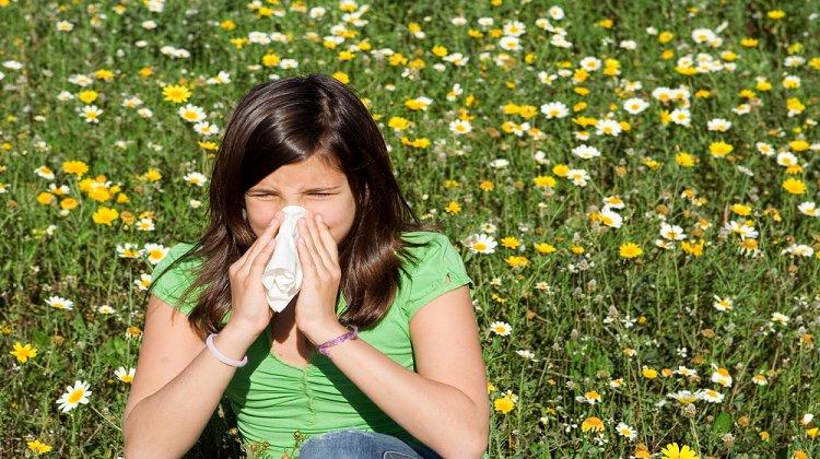 Baharın Gelmesiyle Birlikte Alerjilerin Belirtileri Şiddetlenebilir ve Covid-19 Bulaşma Riski Artabilir