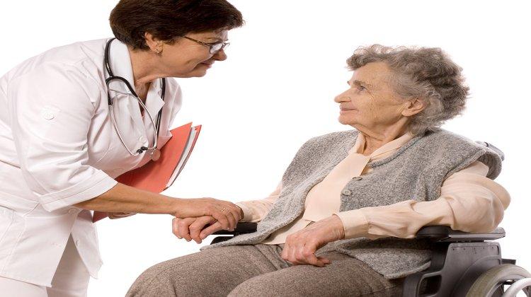 """Prof. Dr. Raif Çakmur: """"Parkinson Hastalığında, Hasta Yakınlarına Önemli Görevler Düşüyor!"""""""