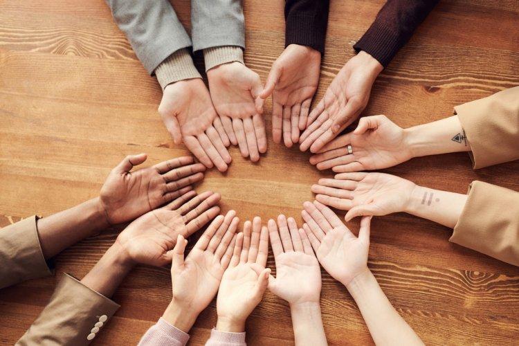 Parmaklarda Uyuşma Yaşıyorsanız Dikkat! Sebebi Karpal Tünel Sendromu Olabilir