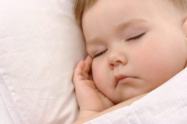 Yenidoğan Bebeklerde Uyku Sorunu