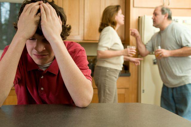 Boşanan Çiftler Çocuklarına Nasıl Davranmalı?