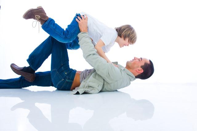 Ebeveynlerin Çocuklarıyla Arkadaş Olmaları Doğru Mudur?