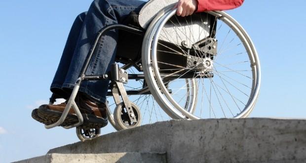 Pfizer'den Tekerlekli Sandalye Bağışı