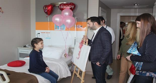 Moldova'lı Şarkıcıdan Anlamli Ziyaret