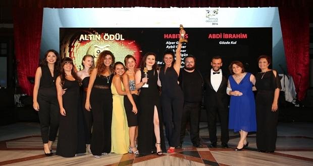 Abdi İbrahim'e Altın Baykuş Ödülü