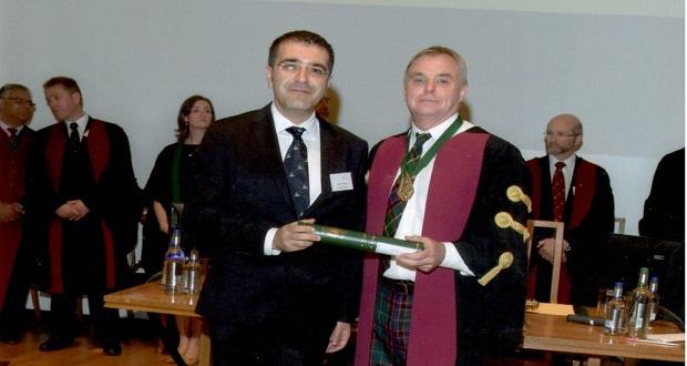 Türk Doktor, Kraliyet Koleji Üyesi Oldu