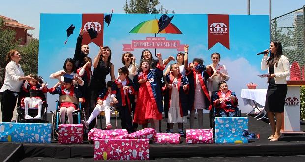Cerebral Palsy'li Çocukların Karne Günü Heyecanı