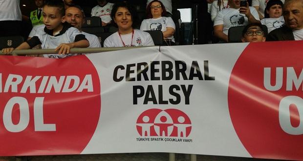 Cerebral Palsy'li Çocuklar Stadda Bayram Coşkusu Yaşadı