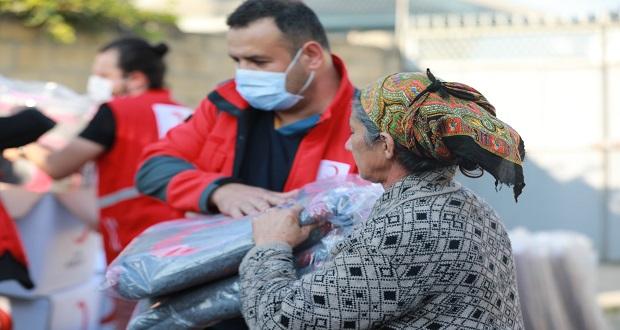 Yardım Malzemeleri Azerbaycanlı İhtiyaç Sahiplerine Dağıtılıyor